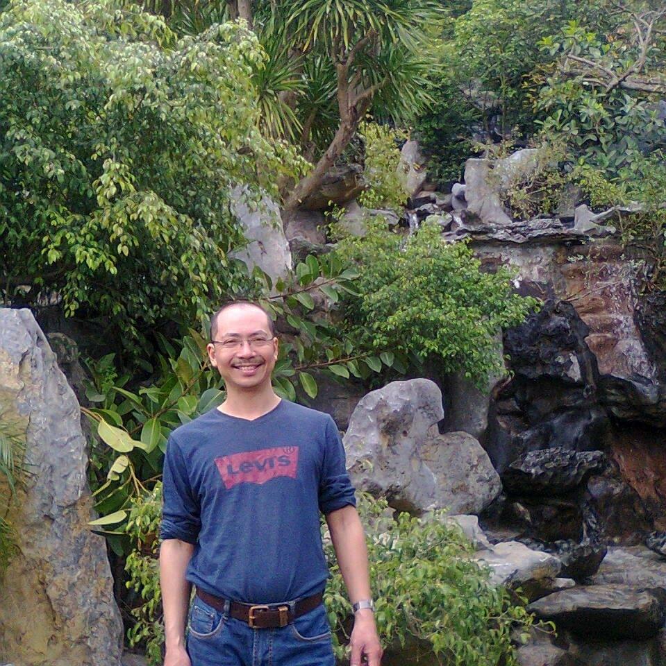 Thầy Uông Ngọc Minh